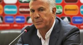 Varujan Sukiasyan reununciou ao cargo de técnico da Seleção da Armênia
