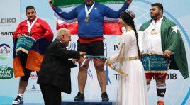 Levantadores de peso da Armênia ganham as primeiras medalhas após banimento